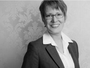 Dr. Martina Kloepfer